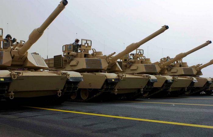 Аналитик: попытки сша напугать россию военными учениями вызывают смех
