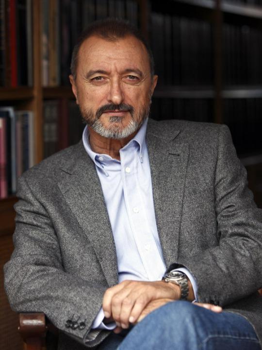 Артуро перес-реверте: военкор, писатель, историк