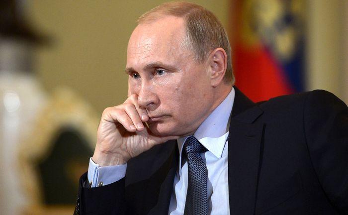"""Белый дом: путин раздувает """"холодную войну"""""""