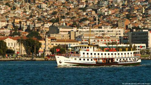Давутоглу пообещал сотни миллионов помощи туристической отрасли турции