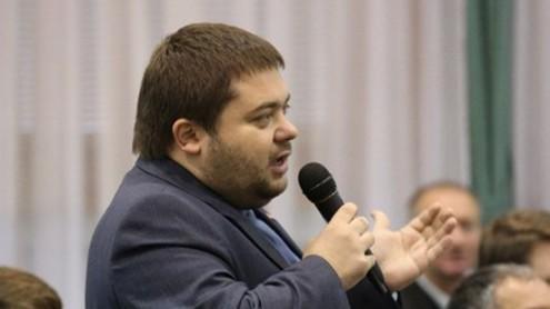 Депутат от удара озолотился на туалетной бумаге за бюджетные деньги