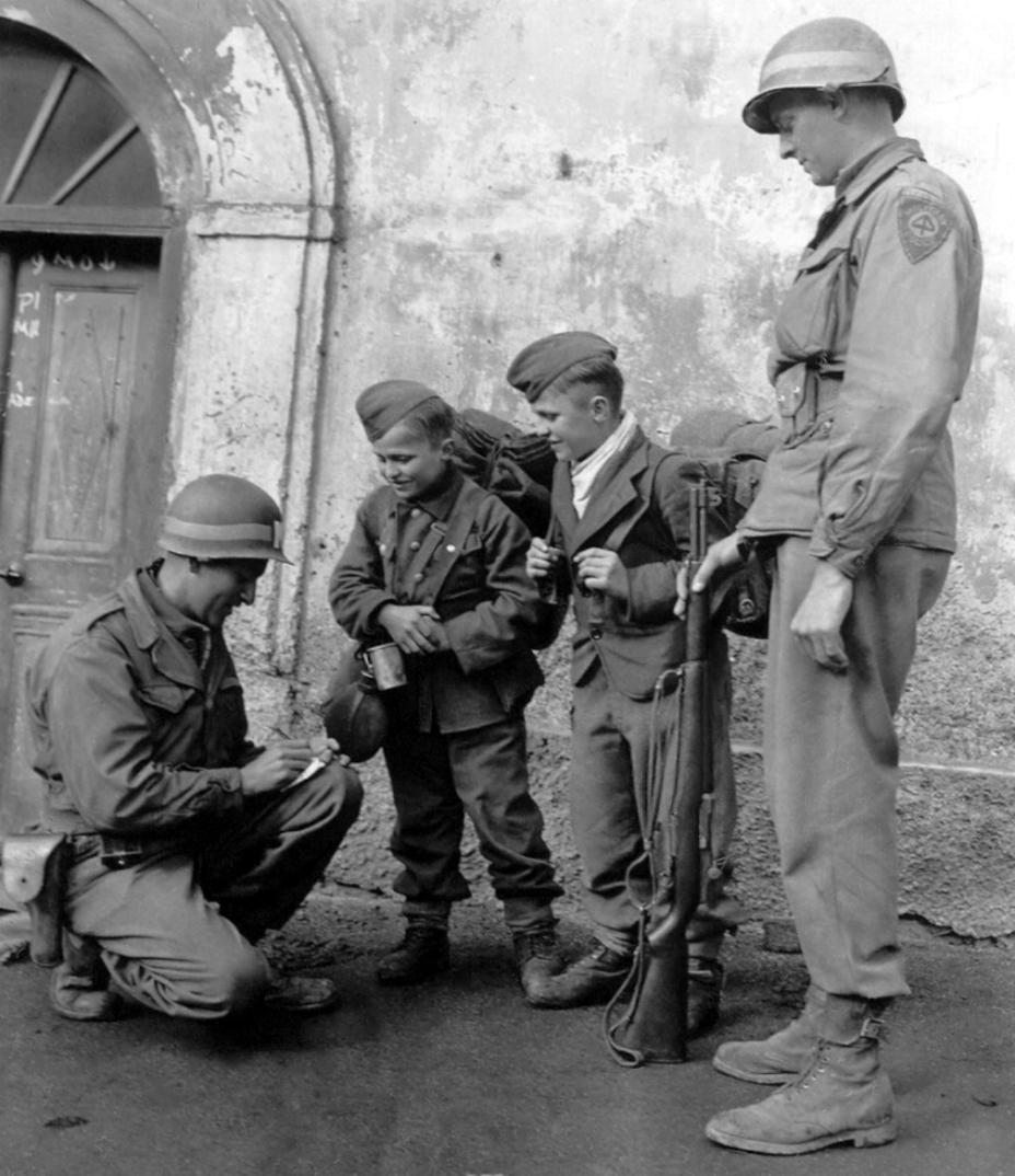 Фото дня: дети-солдаты