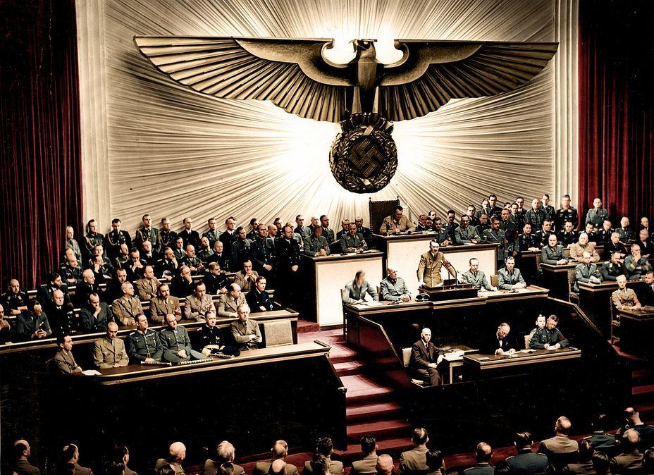 Фото дня: фюрер расширяет антигитлеровскую коалицию