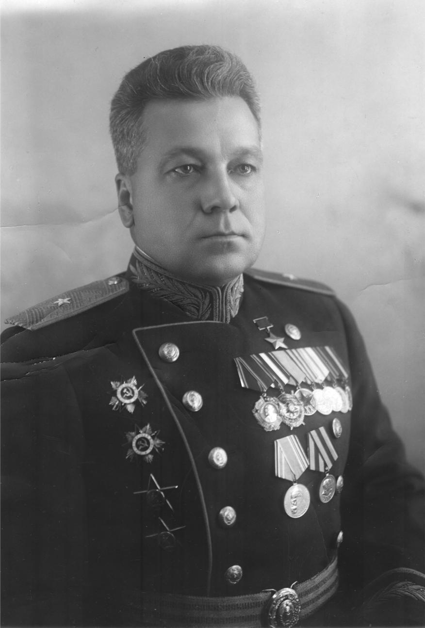 Фото дня: первый герой советского союза