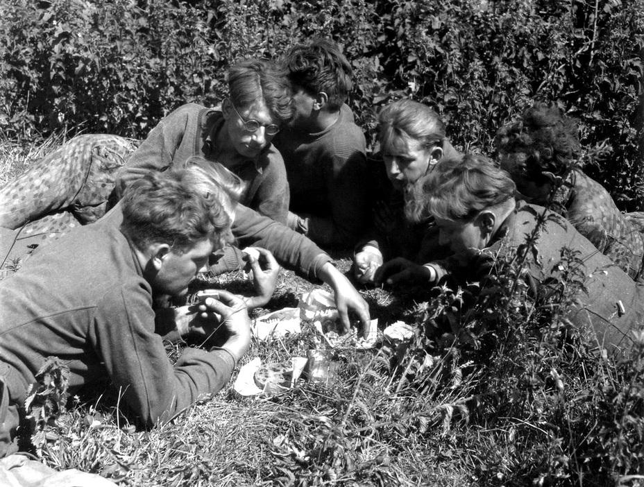 Фото дня: пленные танкисты гитлерюгенда