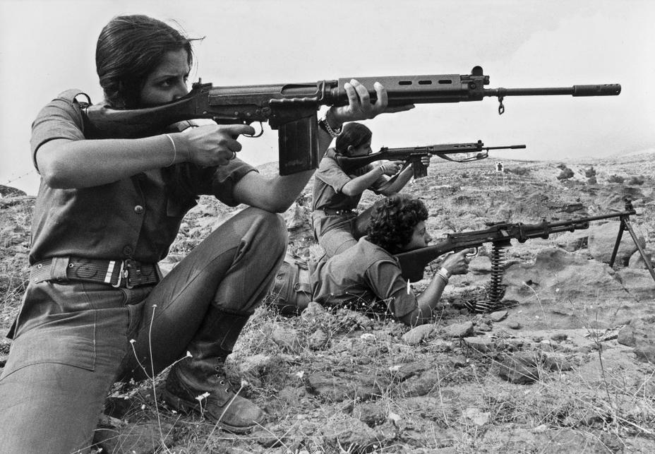 Фото дня: женское лицо гражданской войны