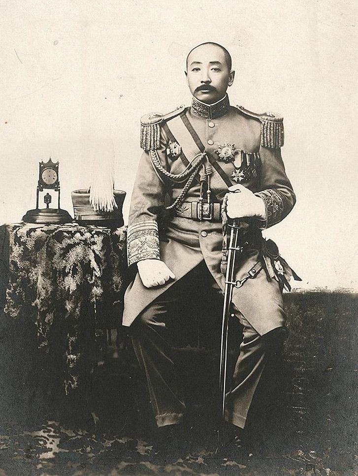 Хозяева поднебесной: «старый маршал» против «нефритового генерала»