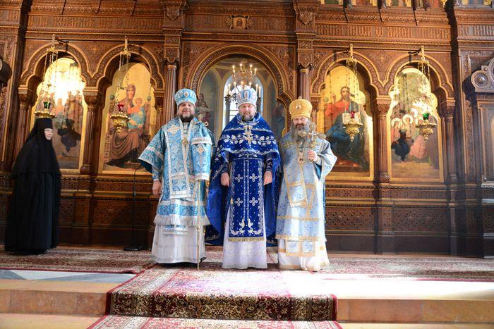 Инаугурационный день януковича начнется с благословления патриарха кирилла и закончится на донбасс-арене