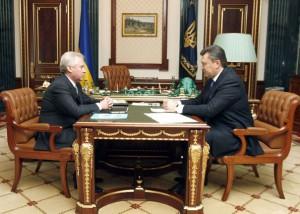 Янукович проверит расходы правительства тимошенко и история покупки кресла-кровати