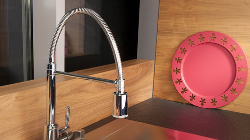Кухонные смесители — правильные акценты в кухонном интерьере