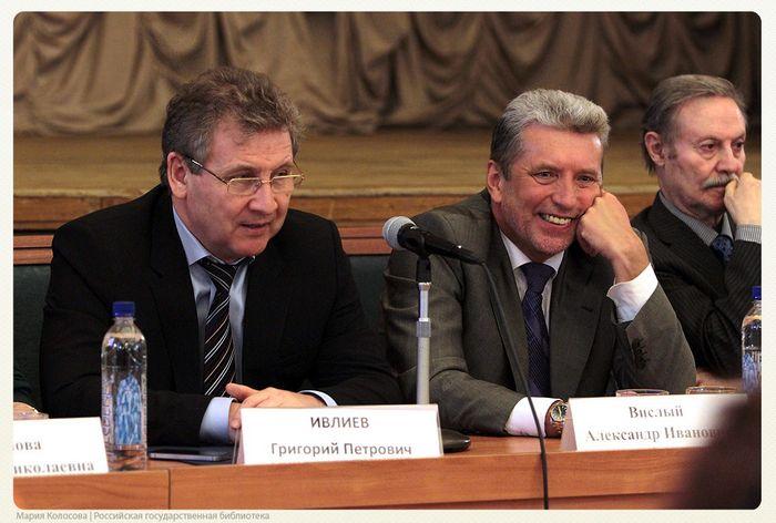 Общественность против министра образования д.табачника, а его зам — п.полянский подал в отставку