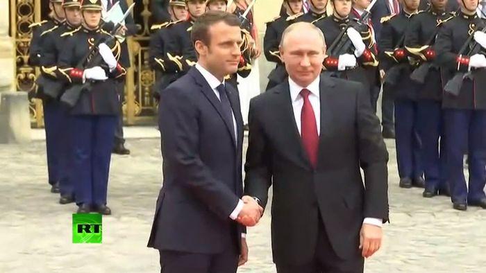 Олланд у путина: дипломатические перемены начинаются сейчас