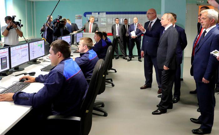 Путину поставили плохие оценки за управление экономикой рф