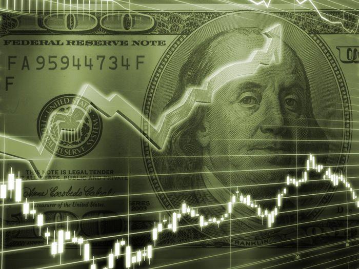 Спасет ли гривну запрет на долларовые кредиты?