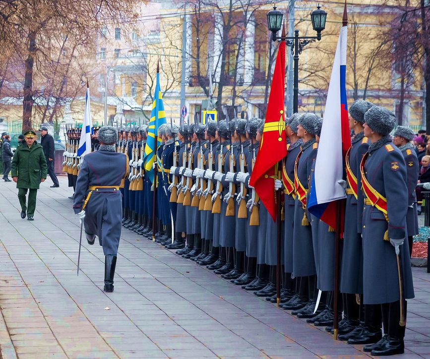 В москве открыт памятник летчикам дальней авиации