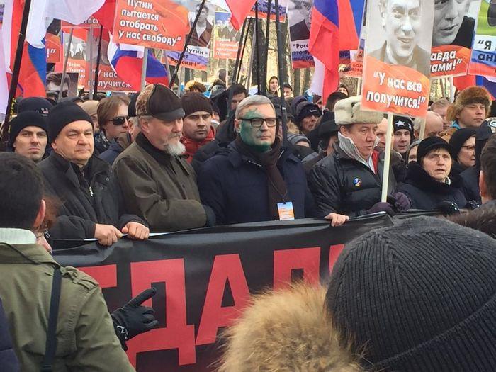Волна самоубийств среди подростков тревожит россиян