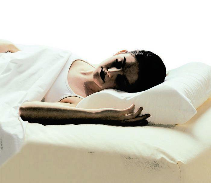 Здоровый сон: когда ложиться спать и какую подушку выбрать?